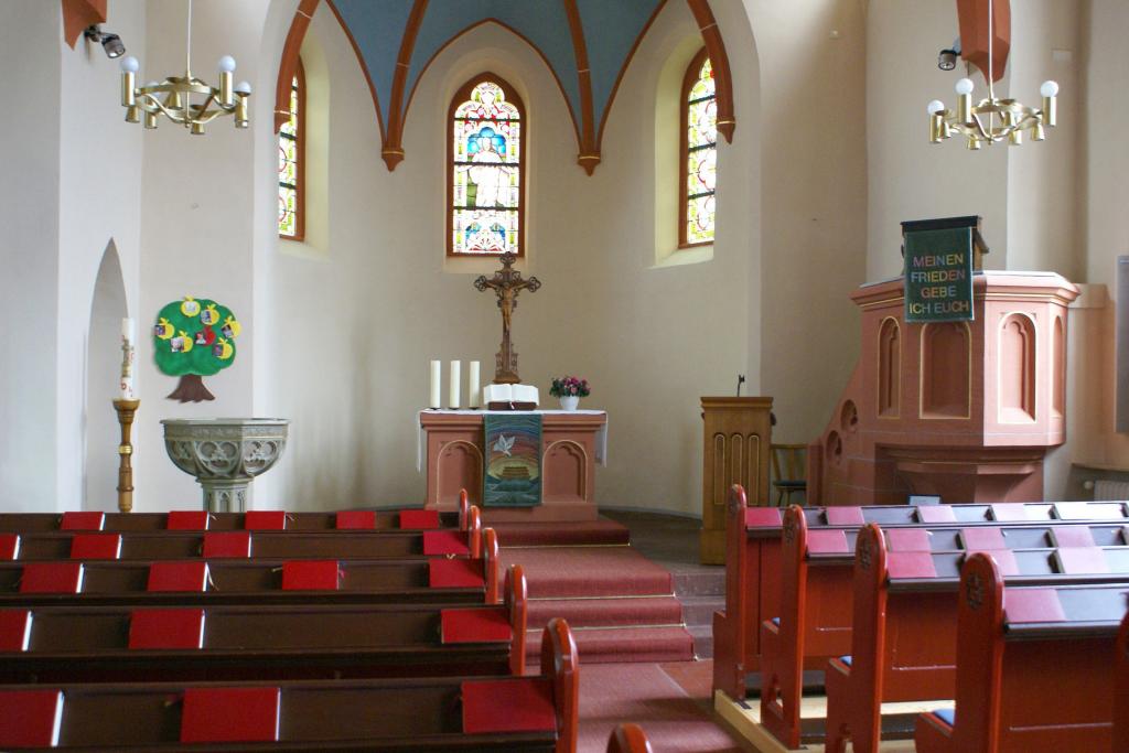 Innere der Martin-Luther-Kirche